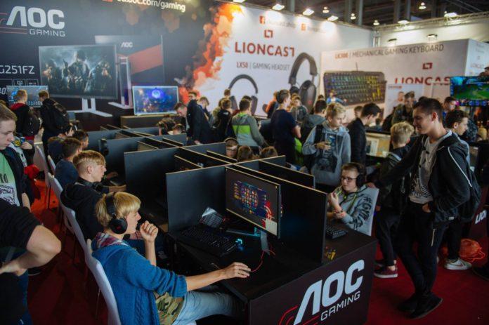 Poznań Game Arena 2017 - AOC i Lioncast