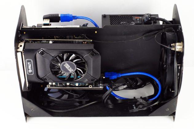 Niewielka obudowa ITX wykonana ręcznie dla wymagających użytkowników 10