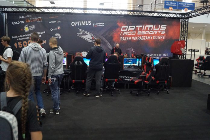 Poznań Game Arena 2018 - stoisko OPTIMUS i Thrustmaster
