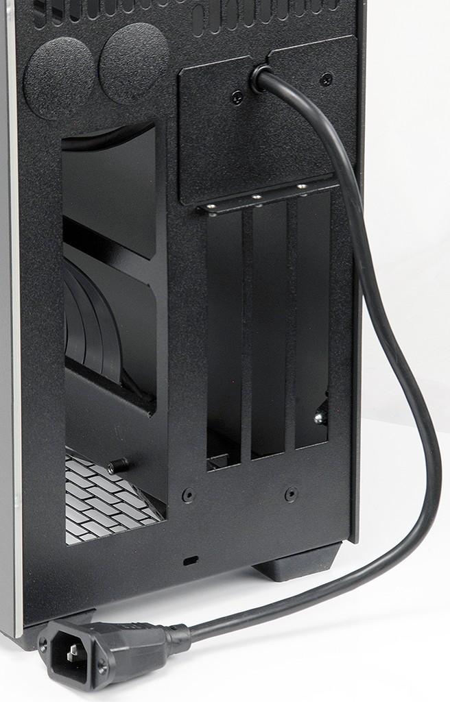 Sliger SM580 – ciekawa obudowa mini-ITX z modułami bocznymi 4