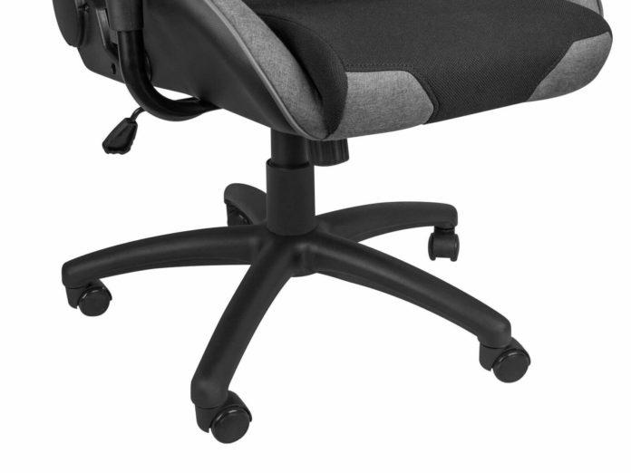 Genesis Nitro 440 - fotel dla graczy w ciemnych kolorach 1