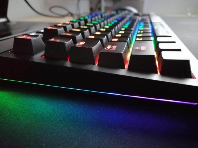 uRAGE EXODUS 900 Mechanical – recenzja klawiatury mechanicznej z podświetleniem 4