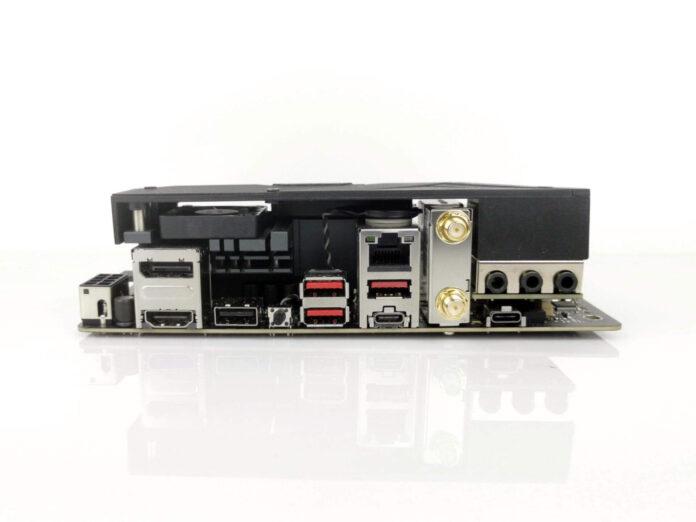 ASUS ROG Strix B550-I Gaming - tylne złącza