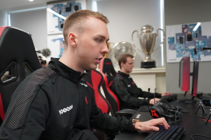 gla1ve at Astralis bootcamp