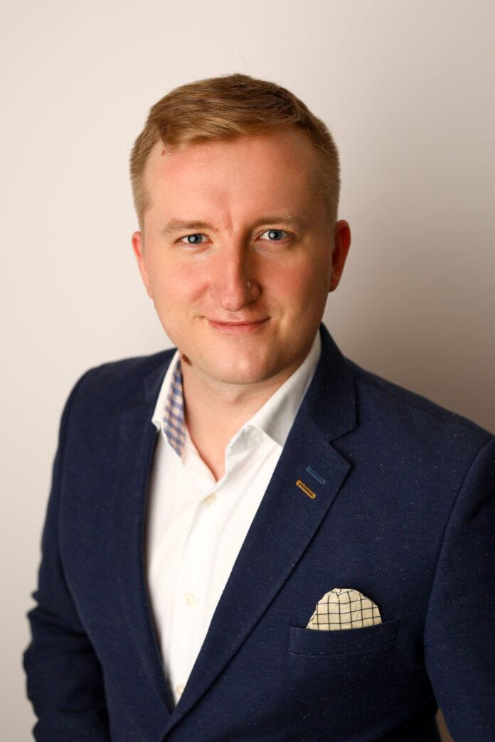Adrian Kostrzębski